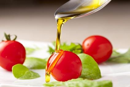 オリーブオイルとプチトマト